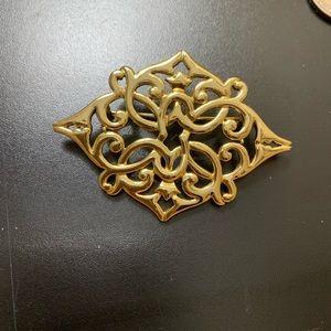 Jewelry - Goldtone Pin